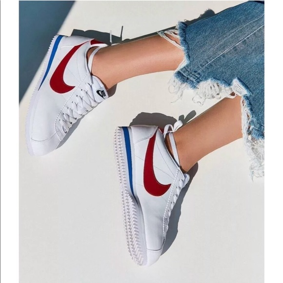 484ee2de321b94 Women s Nike Classic Cortez Leather Sneakers